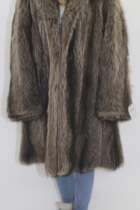 Pelz Fell  Jacke Waschbär Natur ausgelassen