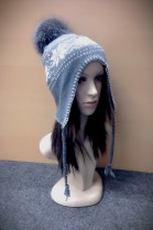 Knitted Inca pattern white / gray and blue frost Bommel