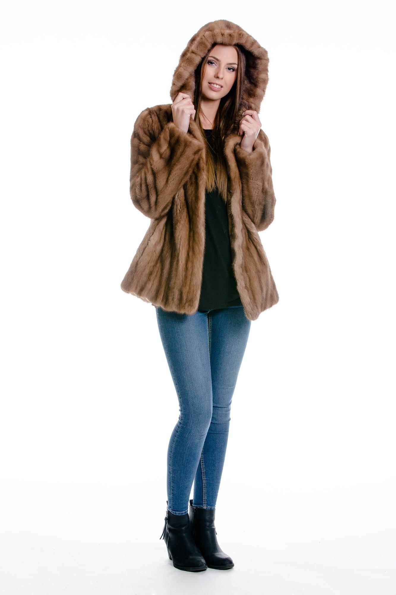 Pelz Umarbeitung Alter Pelz wird neuer moderner Pelz kaufen im Dein ... 2c0812b1ed