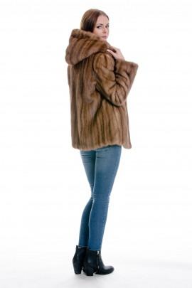 Pelz Umarbeitung Alter Pelz wird neuer moderner Pelz