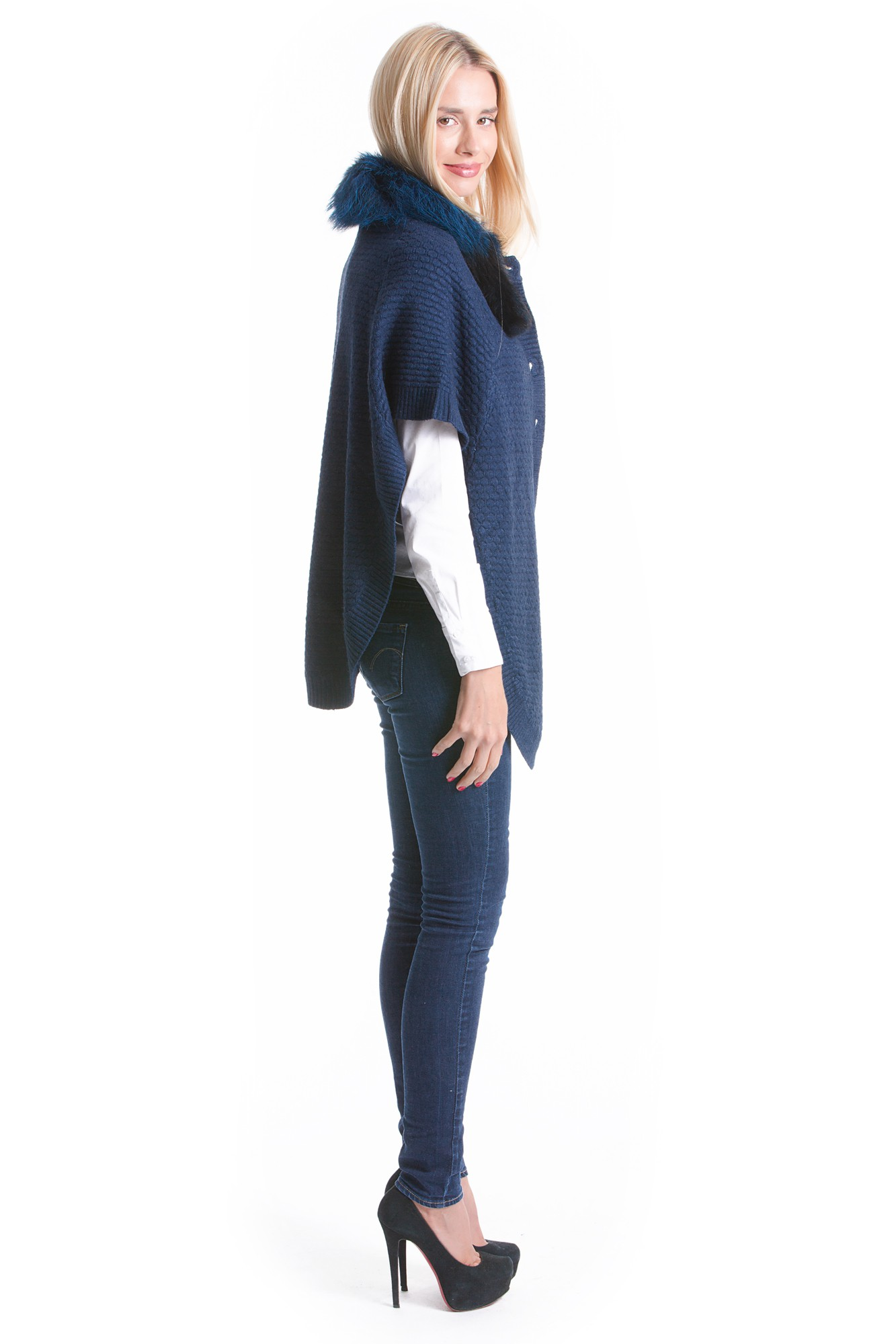 woll cape blau mit fuchs fellkragen luxus fashion pelz. Black Bedroom Furniture Sets. Home Design Ideas