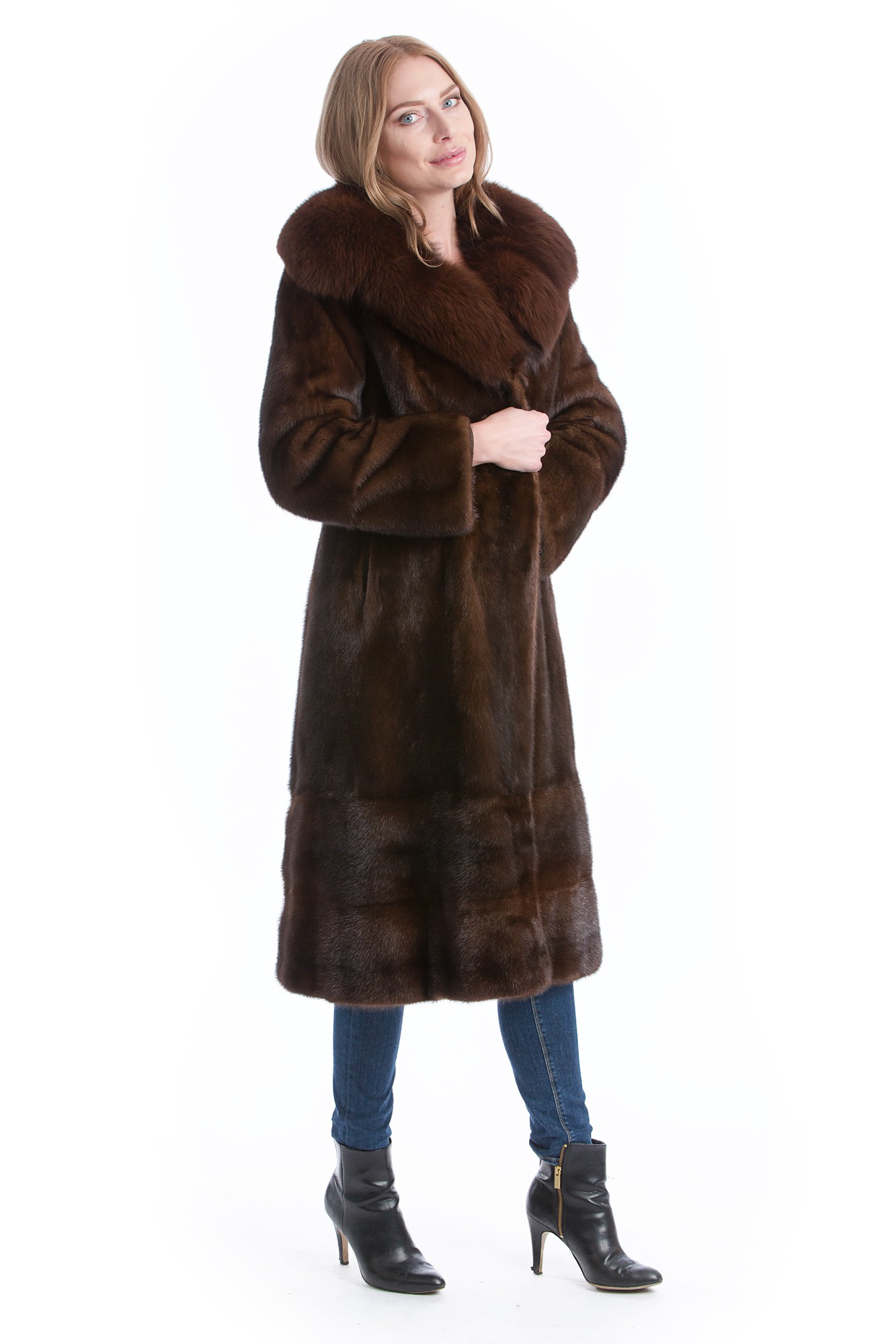 nerz mantel mit fuchs fellkragen mink coat with fox collar. Black Bedroom Furniture Sets. Home Design Ideas