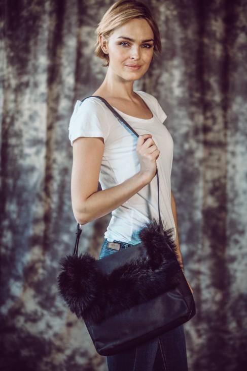 Flauschige Felltasche schwarz Fuchs Fashion Style Pelz Mode