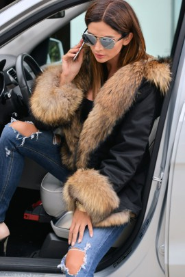 Black Parka with an exceptional fox fur
