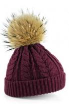 Bordeaux colored bobble hat with brown fur bobble