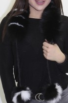 Pelz. Fell  Schal Blaufuchs Rolle schwarz-weiß mit Bommel