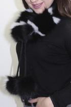 Pelz Fell  Schal Blaufuchs Rolle schwarz-weiß mit Bommel