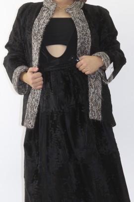 Kostüm Breitschwanz schwarz auf Strickjacke Rock aus Pelz