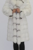 Pelz- Fell Jacke weiß Kanin mit Blaufuchs Besatz
