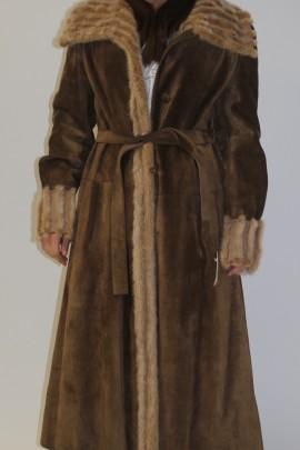 Pelz - Fell  Mantel  Nerz Innenfutter beige außen Stoff